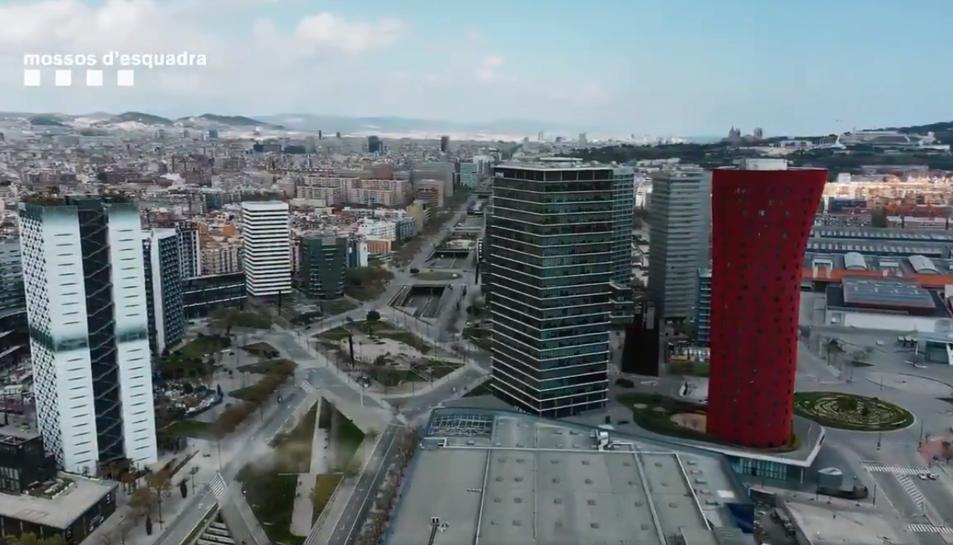 Imatge aèria de la ciutat de Barcelona captada pels Mossos d'Esquadra amb un dron.