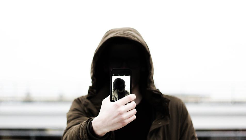 Cal descomfiar dels missatges que ens acaben reclamant dades personals.