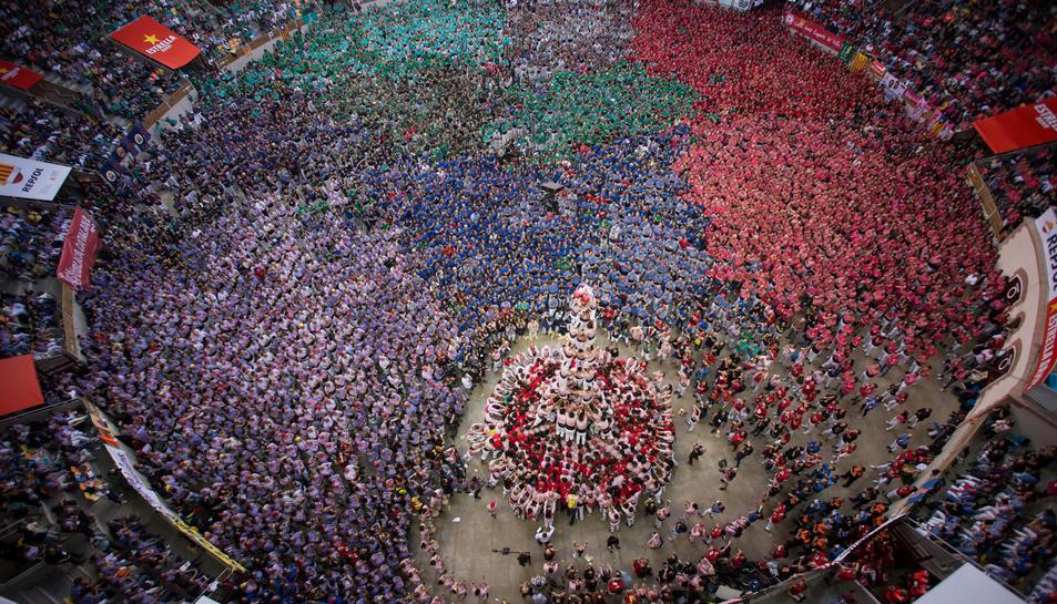 La Tarraco Arena Plaça mentre la Colla Castellers Xiquets de Tarragona carregava el 3d9f al Concurs de Castells.