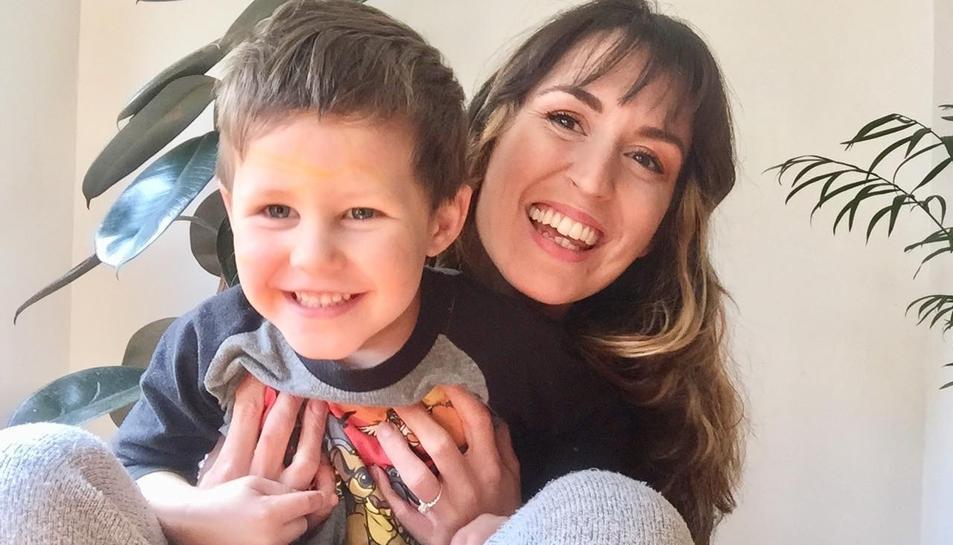 Imatge d'Amanda amb el seu fill Ashton.