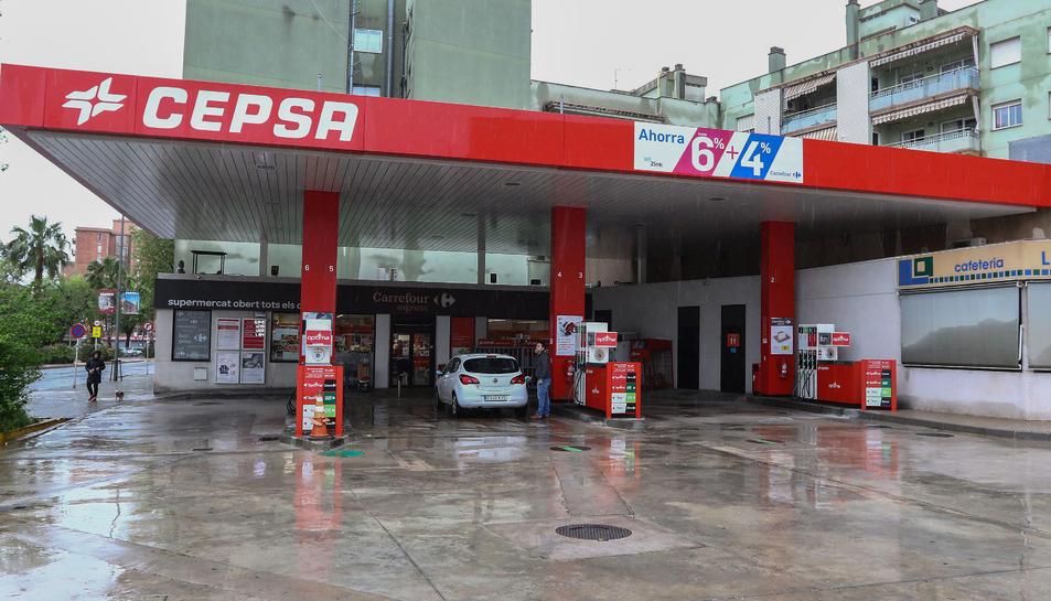 Una de les gasolineres que està oferint servei aquests dies a Reus.