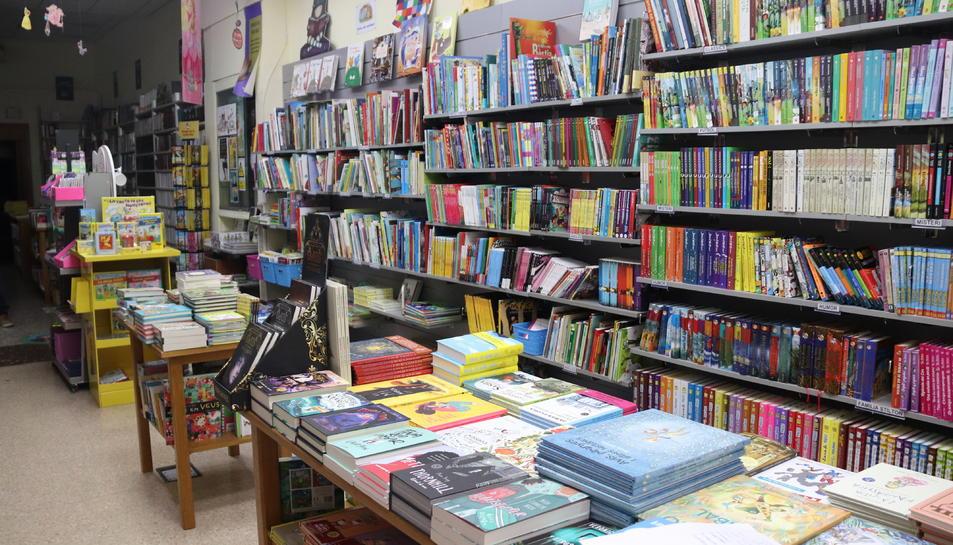 L'interior de la llibreria Adserà, tancada al públic a causa del confinament.