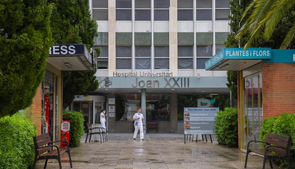 La façana de l'Hospital Joan XXIII.