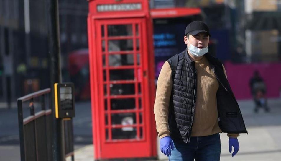 El Regne Unit va comunicar aquest dissabte 621 noves morts per COVID-19 en hospitals, residències i llars, amb el que sumen 28.131 els morts des que va començar la pandèmia