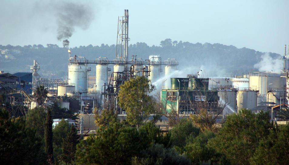 La planta d'IQOXE a la Canonja, al Tarragonès, on es va produir una explosió.