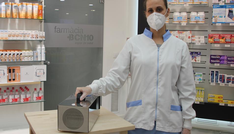 Una de les farmacèutiques amb el King Ozono 15G.