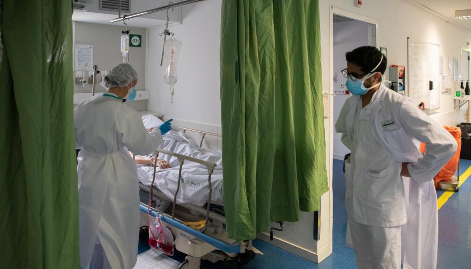 Professionals sanitaris atenen malalts de coronavirus a l'Hospital Clínic