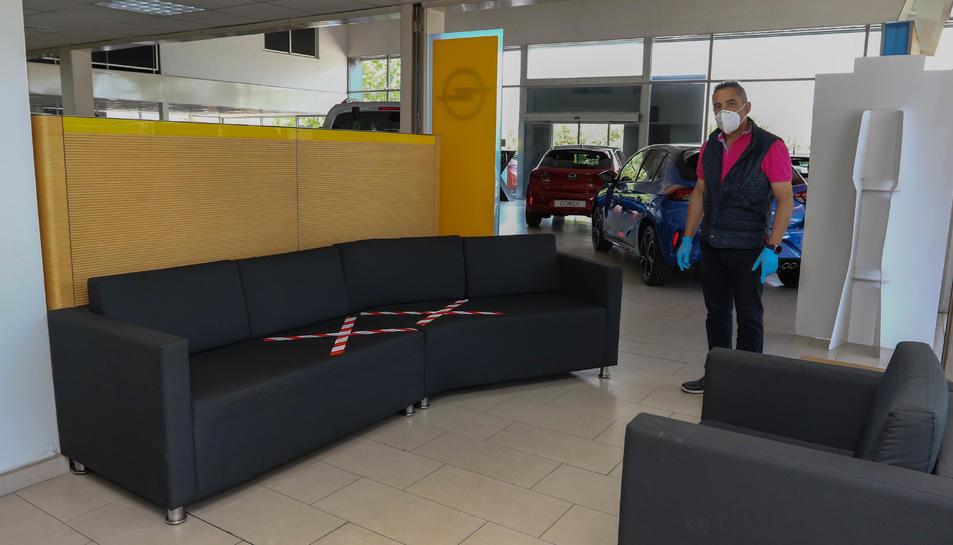 Els espais per a clients s'han adaptat per garantir les distàncies.