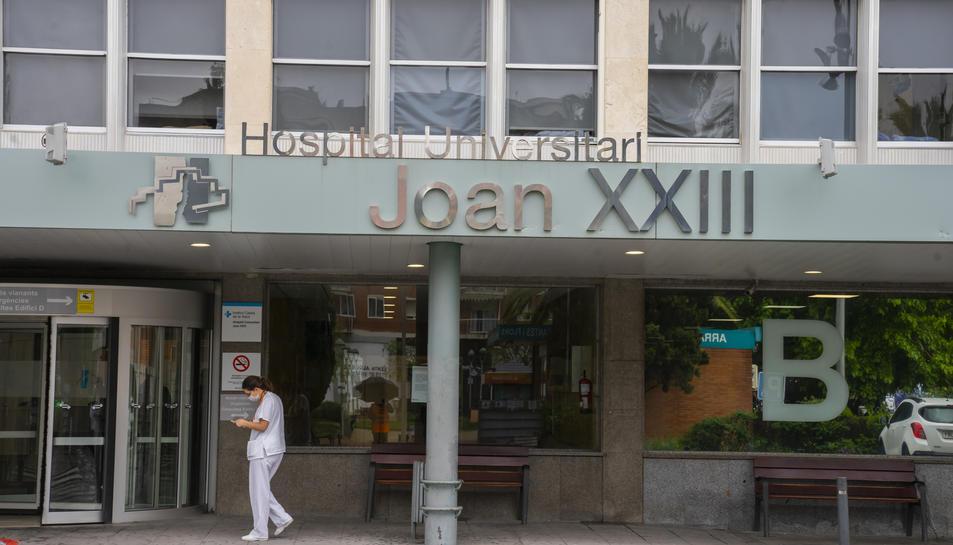 La façana de l'Hospital Joan XXIII