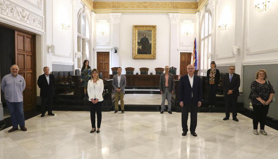 L'alcalde, Carles Pellicer, i la vicealcaldessa, Noemí Llauradó, amb altres actors implicats en el full de ruta que va presentar-se ahir.