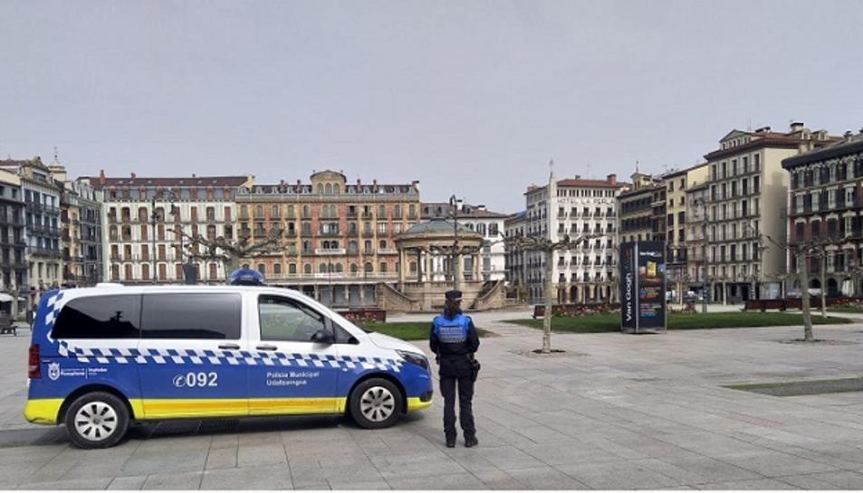 Imatge d'arxiu d'una patrulla de la Policia Local de Pamplona.