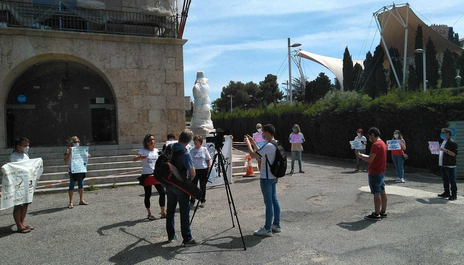 El Grup de Treball en Defensa de la Sanitat Pública de Tarragona s'ha concentrat aquest matí.