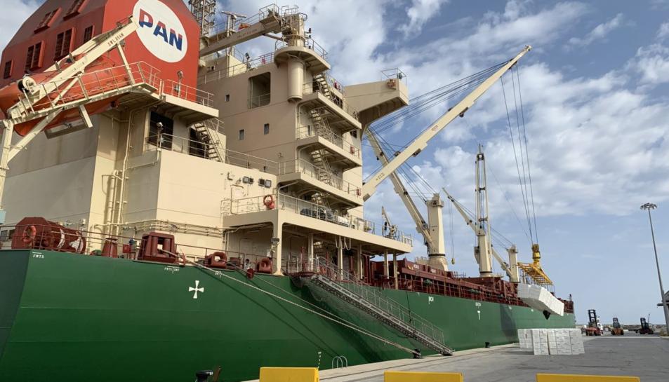 La pasta de paper impulsa la càrrega general, que ha registrat un total de 182.723 tones mogudes.