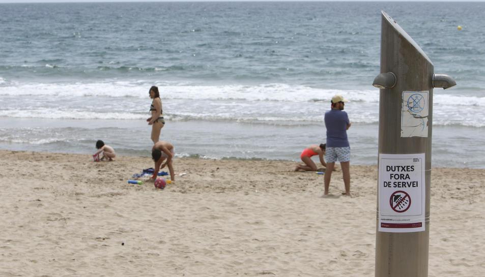 Les platges de la ciutat de Tarragona no tindran servei de dutxa, rentapeus ni lavabos.