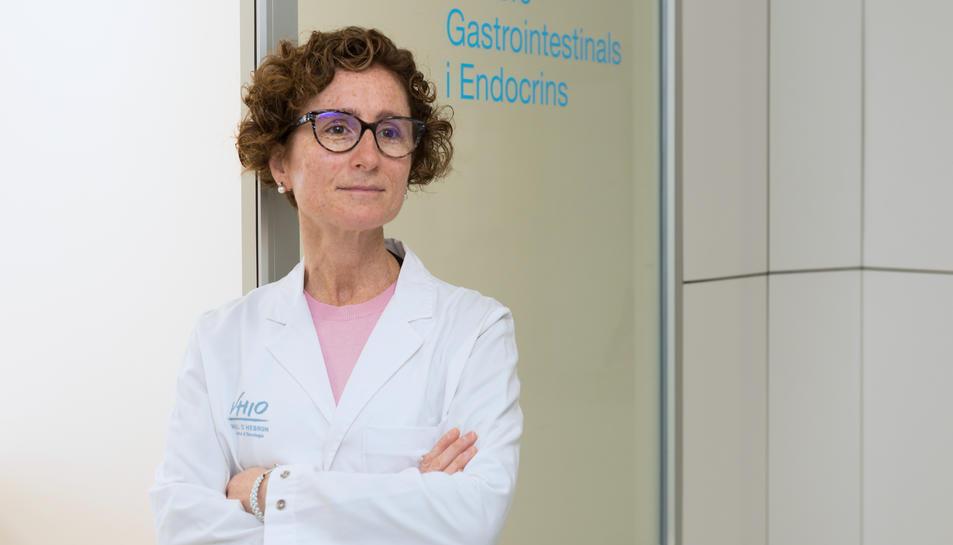 Pla mitjà de la doctora Teresa Macarulla, oncòloga mèdica de Vall d'Hebron.