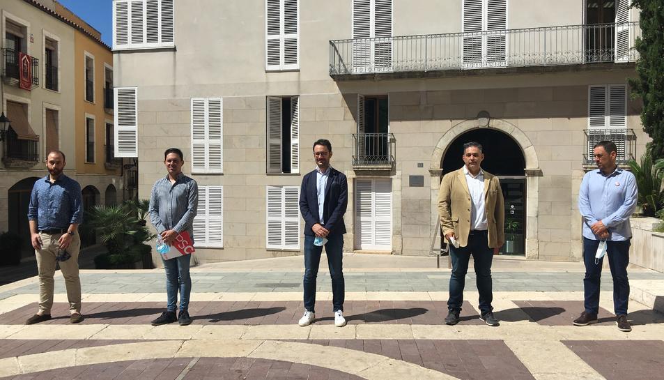 L'alcalde Pere Segura i els representants dels grups municipals, dimarts a l'Ajuntament.