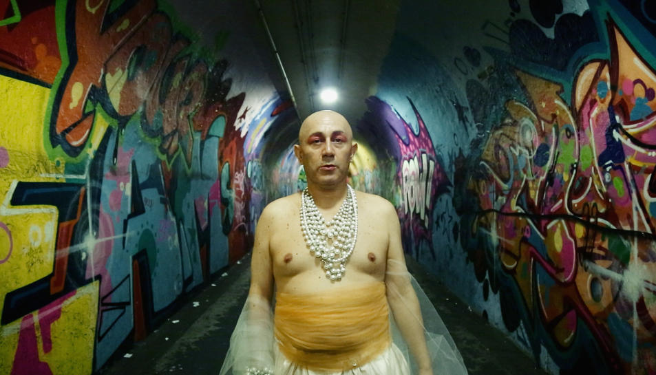 Iván Monalisa, l'artista xilè protagonista del documental 'El viaje de Monalisa', que estrena DocsBarcelona.