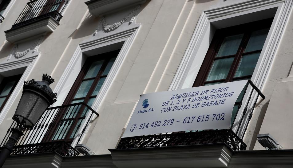 L'ajuda té una quantia de 600 a 900 euros al mes.