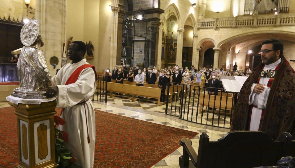 Celebració del solemne ofici de Completes
