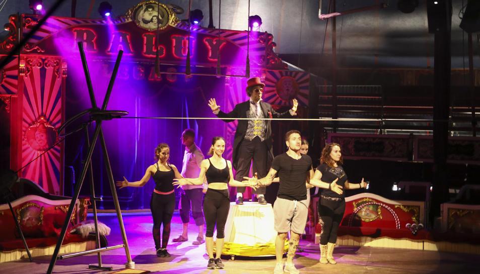 Un dels assaigs del nou espectacle 'Todo locura' que estrenaran a la ciutat aquest dijous.