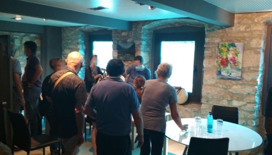 Els assistents a la reunió, al restaurant Entre Copes de la Part Alta de Tarragona.