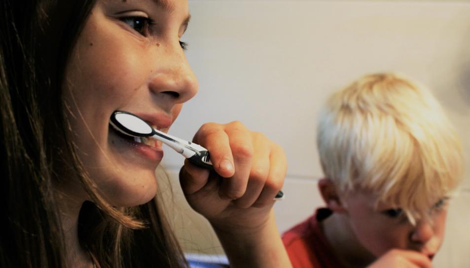 Els receptorsACE2es troben en alta densitat a la boca, sobretot en la superfície de la llengua.