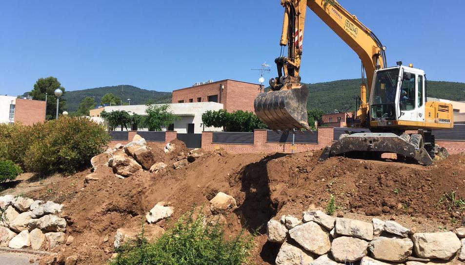 La caldera de biomassa s'instal·larà a Alcover anirà ubicada al carrer del Molí.
