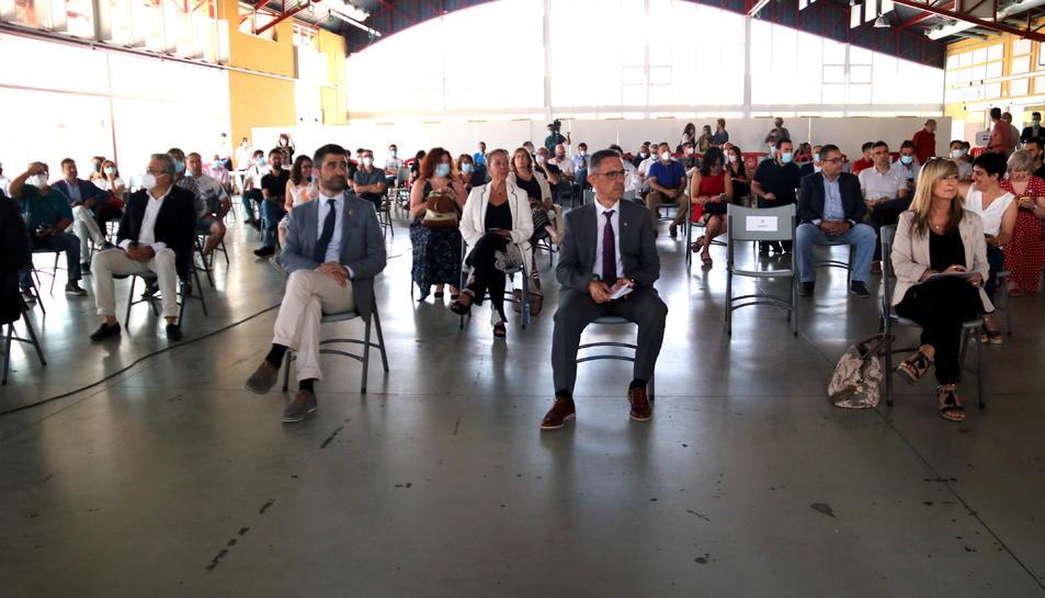 Pla general de la presentació de la xarxa 5G al pavelló firal de Móra la Nova, amb el conseller de Polítiques Digitals, Jordi Puigneró.