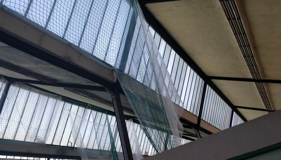 Les lluernes del sostre de l'institut ja estaven en mal estat abans de l'explosió a la planta química.