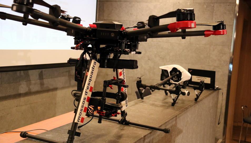 Pla curt de dos drons dels Mossos d'Esquadra.