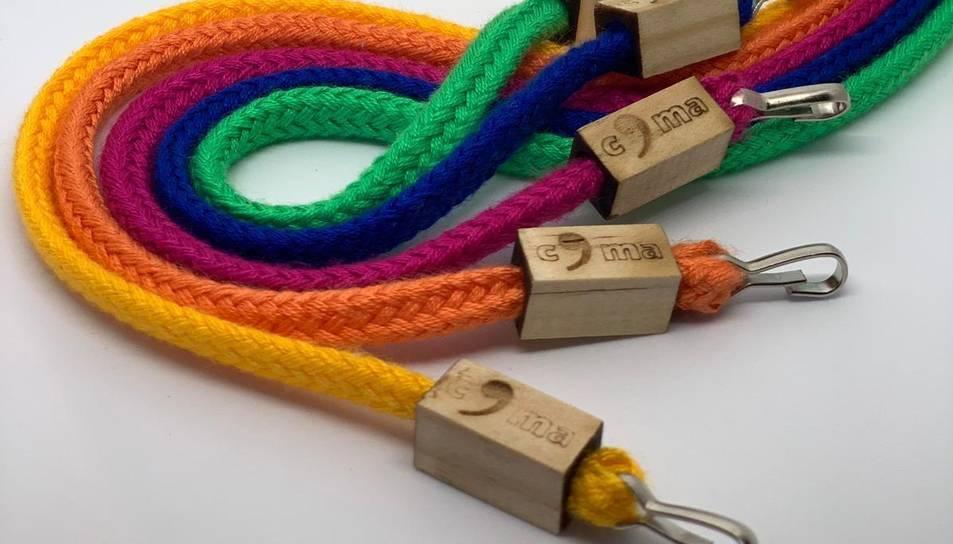 Els cordons COMA es comercialitzen en diversos colors perquè cadascú pugui identificar ràpidament el seu.