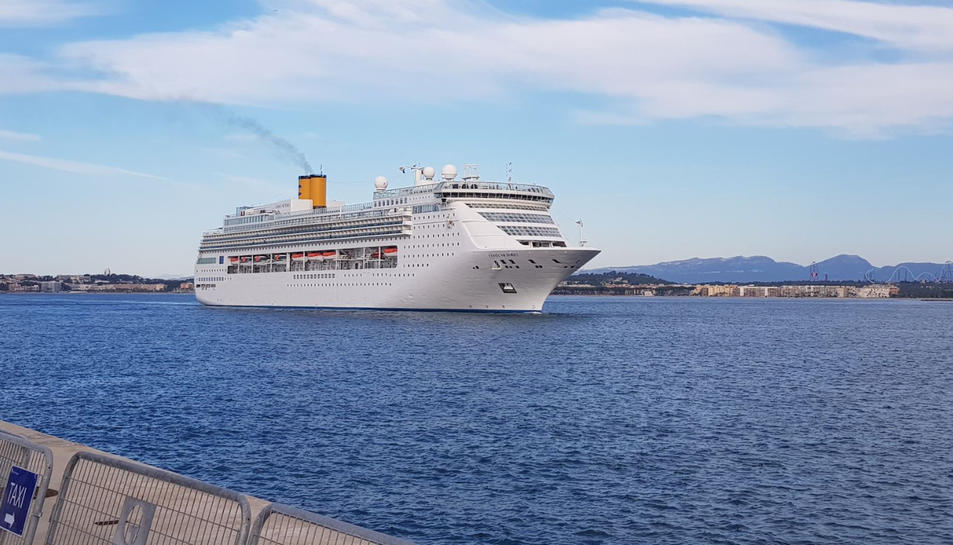 Imatge del creuer Costa Victoria en una de les seves arribades al Port de Tarragona l'any 2018.