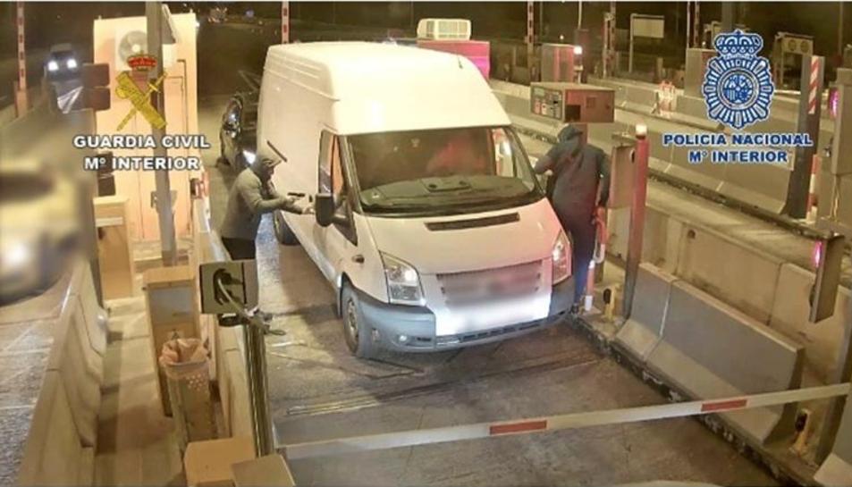 Un dels robatoris violents el van perpetrar a l'autopista a Tarragona.