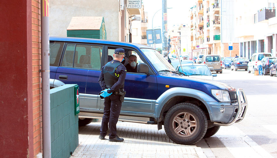 Imatge d'arxiu d'un control de vehicles a Alcanar