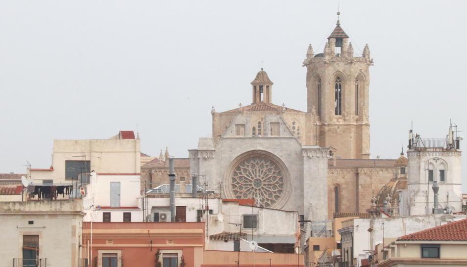 Façana de la Catedral de Tarragona i el campanar.