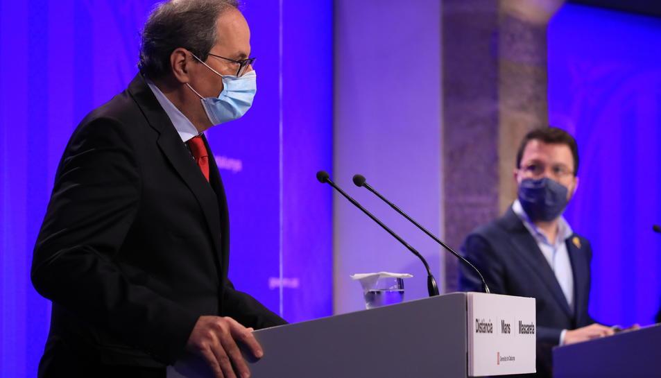 El president de la Generalitat, Quim Torra, i el vicepresident del Govern, Pere Aragonès, compareixen en roda de premsa.