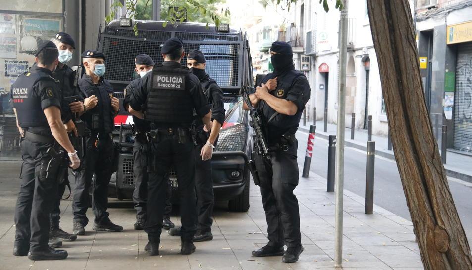 Imatge de l'operatiu antiterrorista a la Barceloneta.