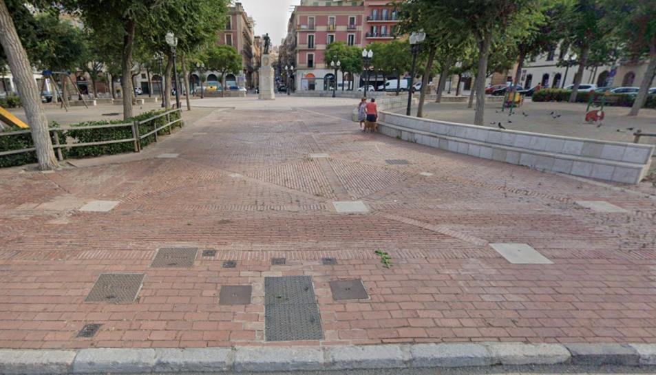 L'associació descarta que la plaça sigui ocupada per més d'una atracció de fira.