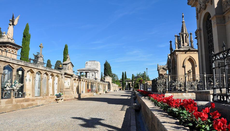 El cementiri de Tarragona és propietat de l'Arquebisbat.