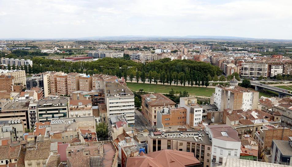 Vista general de la ciutat de Lleida des de la Seu Vella. I