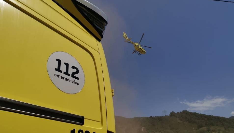Imatge d'arxiu d'un servei del SEM amb helicòpter medicalitzat.