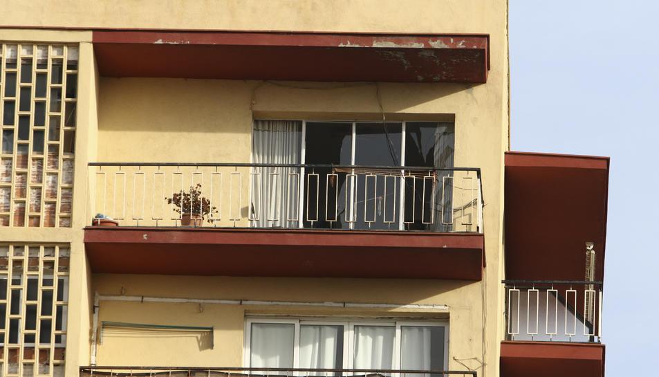 Un dels habitatges que va resultar afectat per l'explosió.