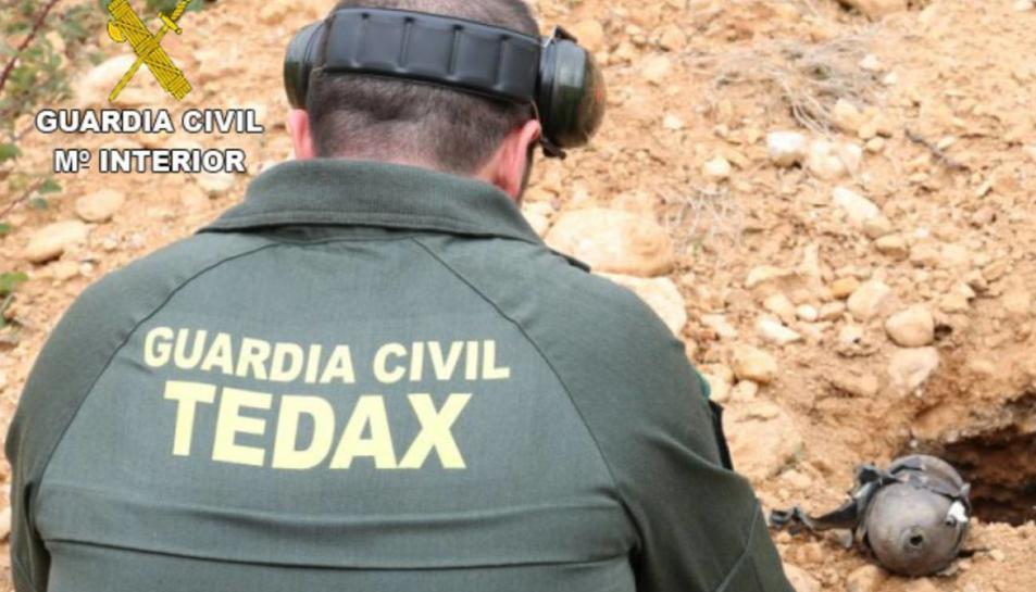 Imatge d'arxiu d'un agent dels TEDAX de la Guàrdia Civil.