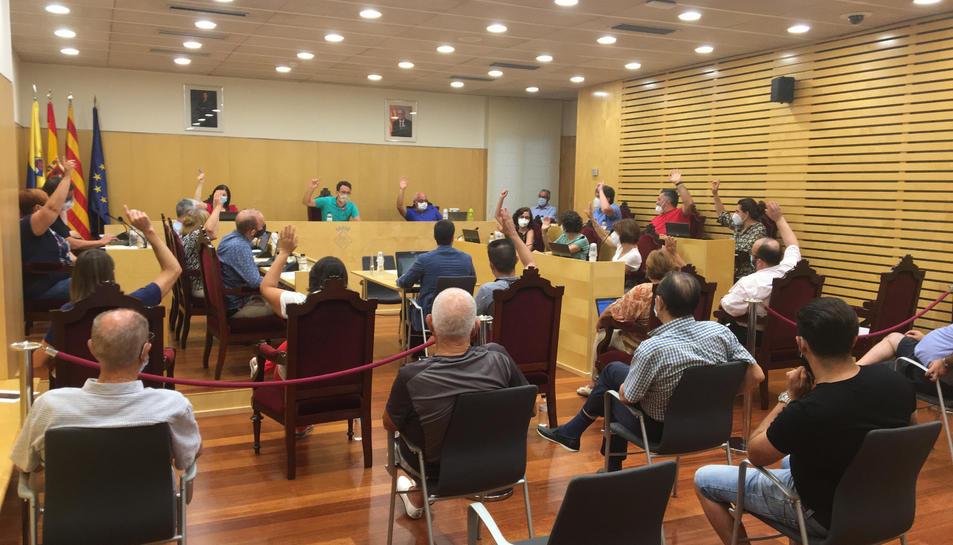 S'han aprovat per unanimitat les mesures que pretenen pal·liar els efectes de la crisi de la covid-19 al municipi.