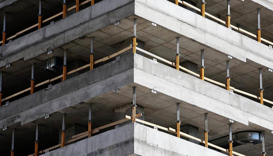 Imatge d'arxiu d'un edifici en construcció.
