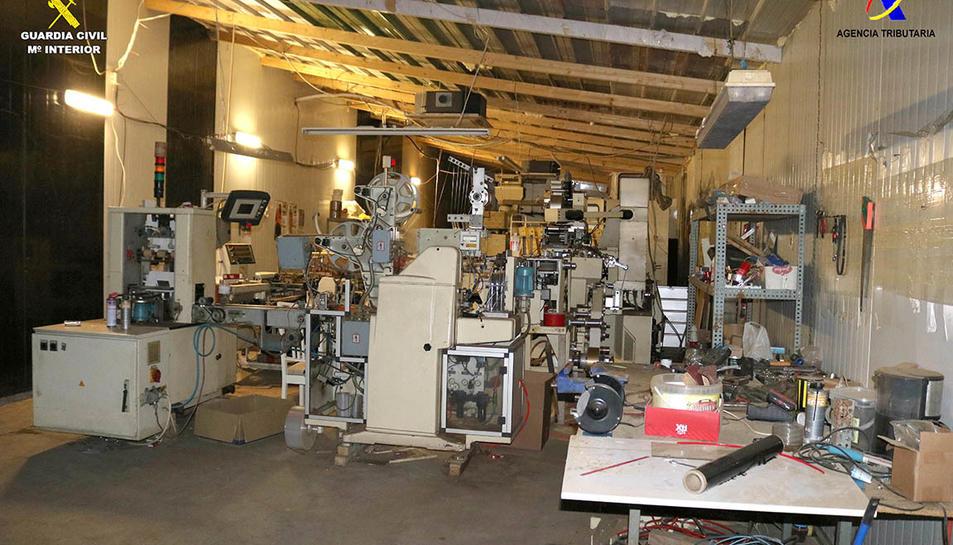 La fàbrica treballava les 24 hores del dia amb dos torns de treballadors.