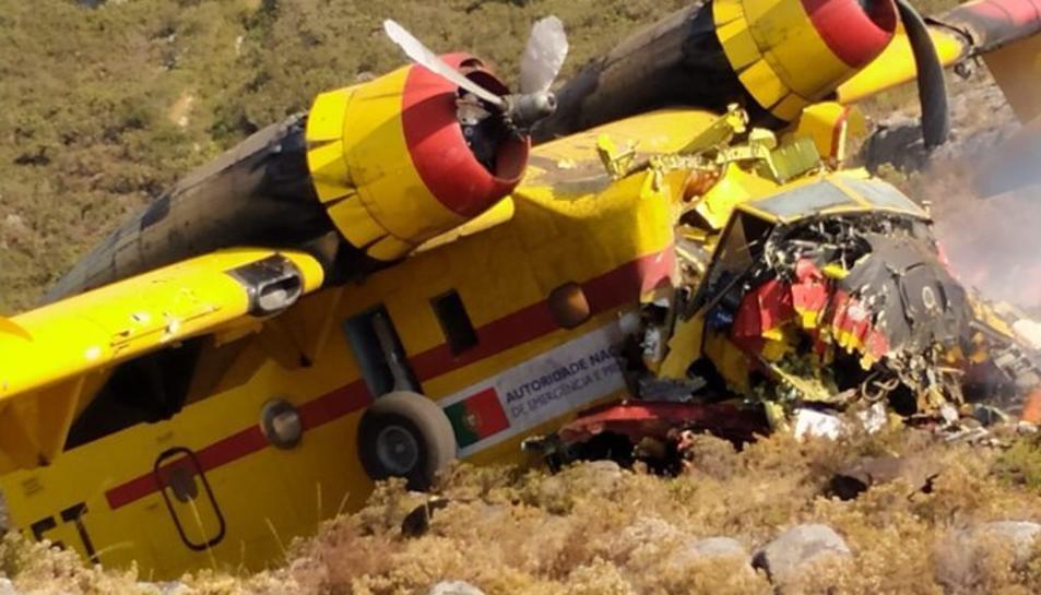 L'avió accidentat a una zona rocosa de Portugal
