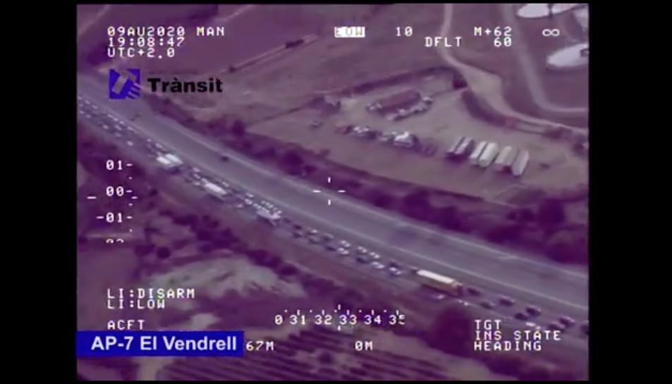 Imatge de les retencions que està provocant l'accident
