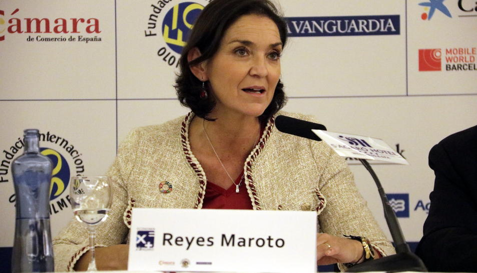 La ministra d'indústria en funcions, Reyes Maroto, durant la sessió inaugural de la XXIV Trobada d'economia de S'Agaró, el 29 de novembre del 2019