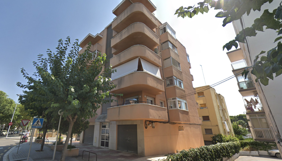 Imatge de l'edifici al carrer Cambrils de Salou.